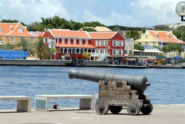 Photo copyright Tab Hauser, http://www.tabhauser.com/tab/Curaçao.htm