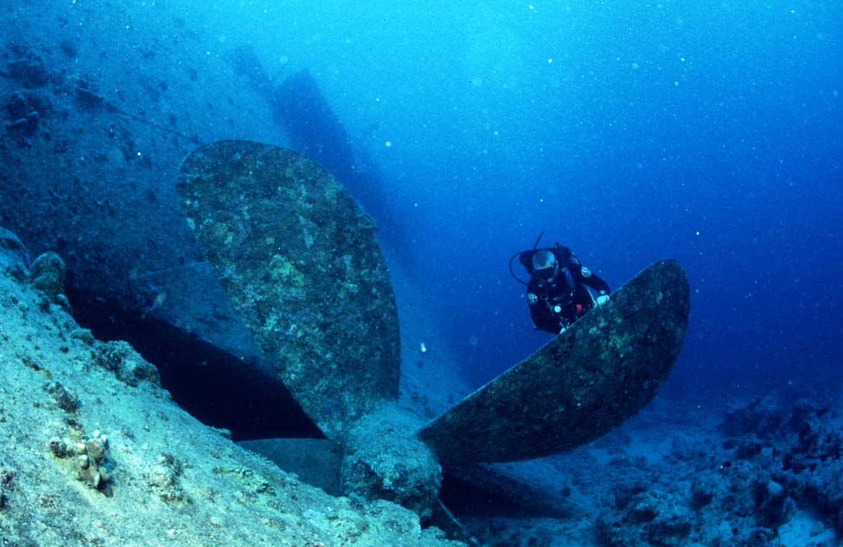 Propellor and diver on theThistlegorm